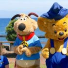 Bamse and Thomson the Dog keeping the kids entertained