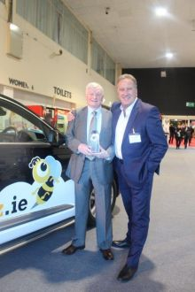 Don Shearer and Jim O'Brien (Travelbiz) with the Hertz 4 wheel Hive.