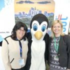 Anne S Evans (Director US Department of Commerce) with our favourite Penguin and Yvonne Muldoon (Sales Director Aer Lingus)