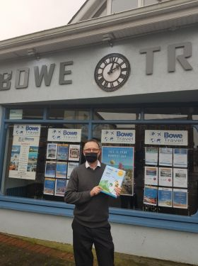 Michael Bowe (MD Bowe Travel Thurles) with his all new Travelbiz Desktop 2021 Diary