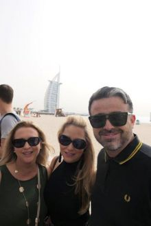 Olwyn, Colleen and lee host agents in Dubai