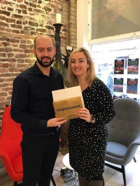 Aoife Gregg (United Airlines) is pictured presenting Daniel with this fantastic prize to New York with flights by United Airlines and a 3 night stay in the fabulous Beacon Hotel