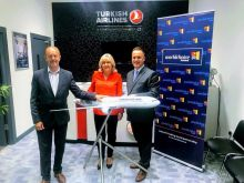 Martin Penrose (IfOnly), Carol Anne O'Neill (Worldchoice) and Onur Gull (Turkish Airlines)