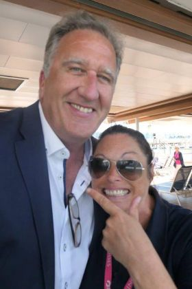 Don Shearer (Travelbiz)  with the ever enthusiastic Joanne McGawley (Princess Cruises)