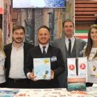Onur Gull and the Turkish Airlines Team with the 'Queen Bees'