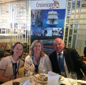 Alan Lynch (Cruisescapes) with the American Holidays girls