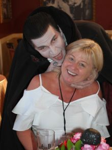 Dracula wants to taste the blood of Carol Anne O'Neill (Worldchoice)