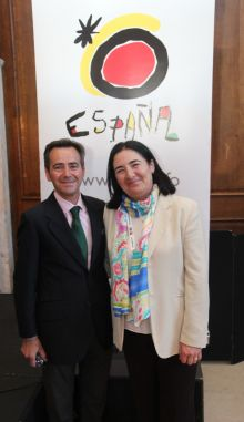 Antonio Martín-Machuca (Andalucía Tourist Board) and Teresa Gancedo Nieto (Director Spanish TB Ireland)