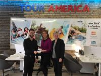 Ross wins 2 premium Level Taylor Swift Seats with American Airlines