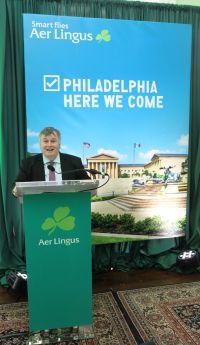 Mike Rutter (COO Aer Lingus) makes the announcement