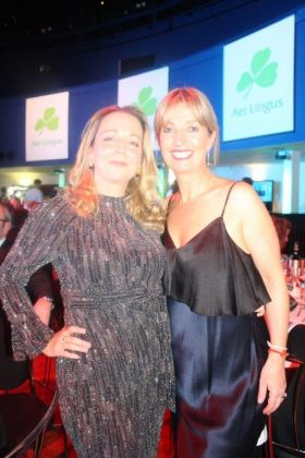 Martina Coogan (Country Manager United Airlines) with Angela Walsh (Travelfox.ie)