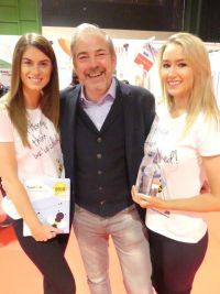 Gonzalo with the Travelbiz 'Queen Bees'