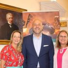 Martina Coogan (United Airlines), Cory Jobe (Director Illinois Office of Tourism) and Jan Kemmerling (Deputy Director Illinois Office of Tourism).