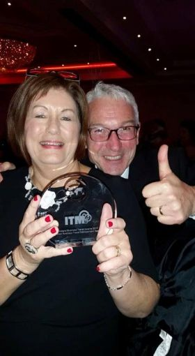 Noeleen Lynch (Atlas GoHop.ie) Winners and Alan Sparling (ASM)