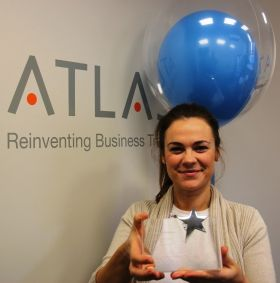 Ann Taffe (Atlas Travel) with the award