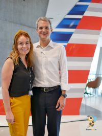 Caitriona Toner (American Airlines Country Sales Manager, Ireland & Northern Ireland) and Chris DeGroot (Vice President, International Sales at American Airlines)