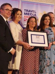 Best Ski Operator winner - Crystal Ski with Martina Migliarina (United Airlines) and Charlotte Brenner (Crystal Ski)