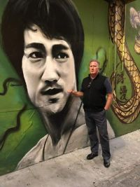Don Shearer (Travelbiz) in San Francisco's vibrant China Town