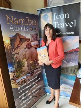 Jean Cusack (MD Icon Travel) with her all new OBEO Namibia brochure